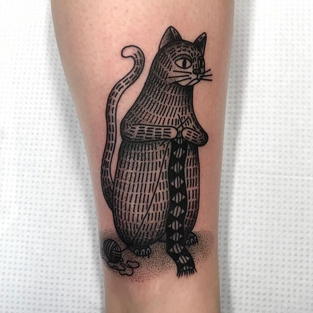 Knitty kitty. Based on customer's reference. Booking for May: mattesaaritattoo@gmail.com